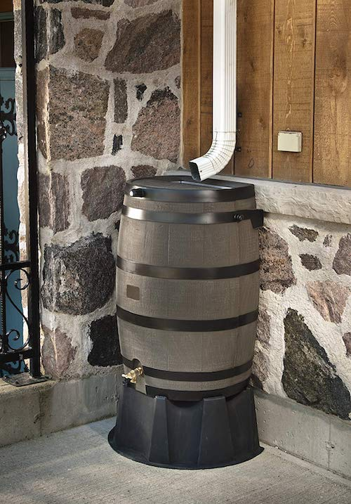How do rain barrels work